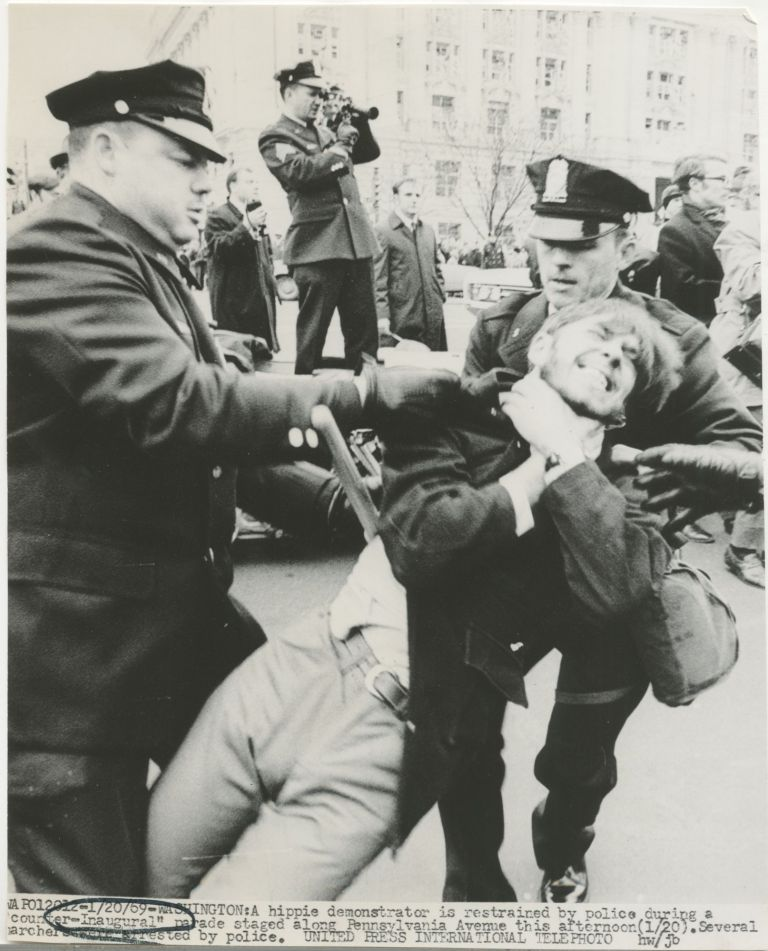 [Press photo] Nixon inauguration protester assaulted by police